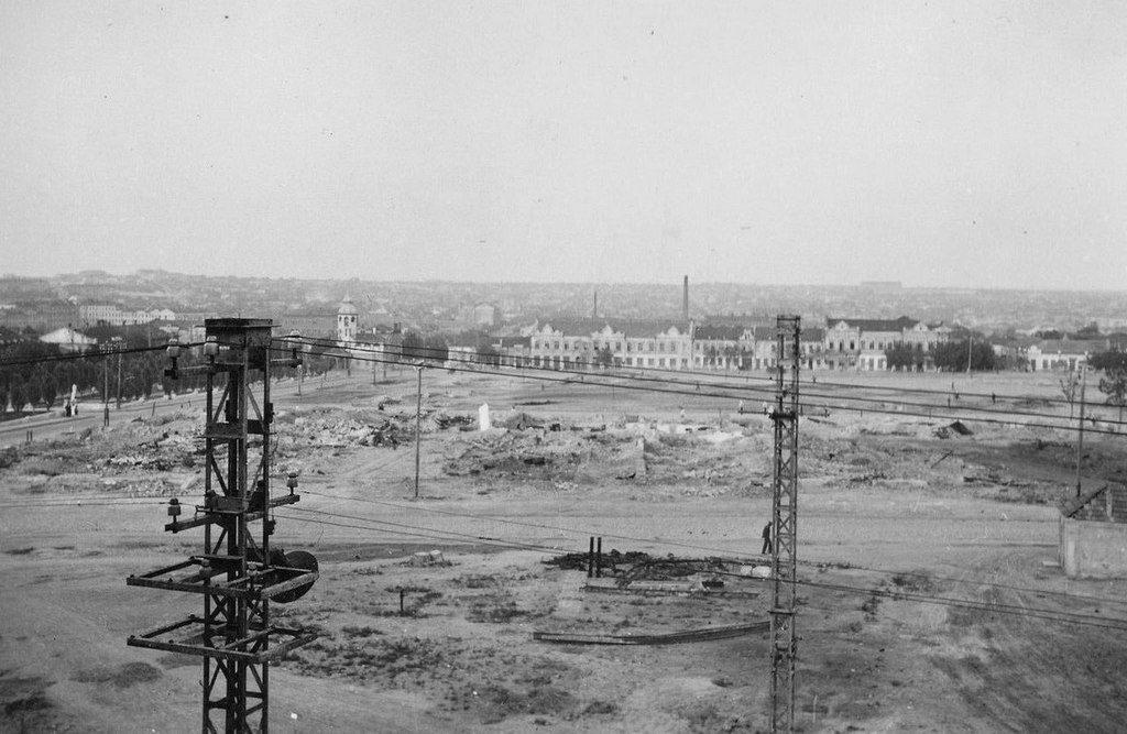 Базарная площадь (1943)