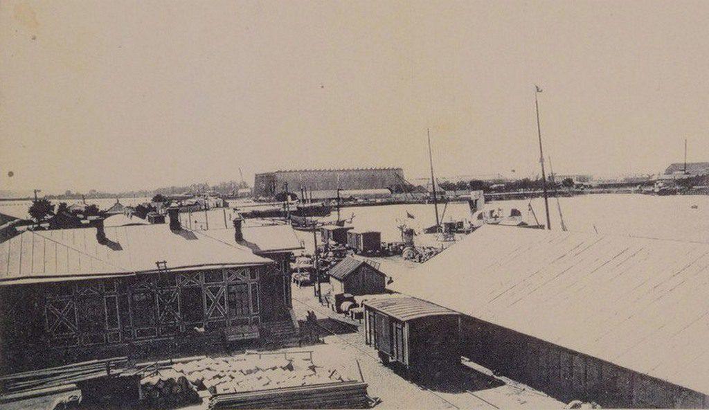 Каботажная гавань с видом дока Судостроительных заводов