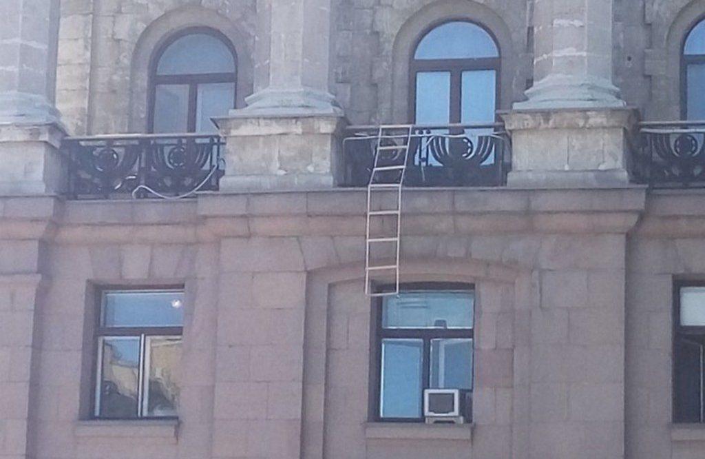 Лестница из кабинета Сенкевича