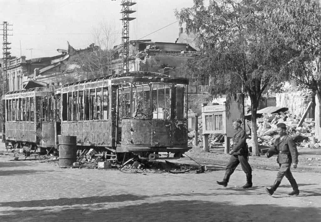 Немцы в оккупированном городе