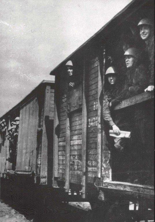 Николаевцы отправляются на фронт