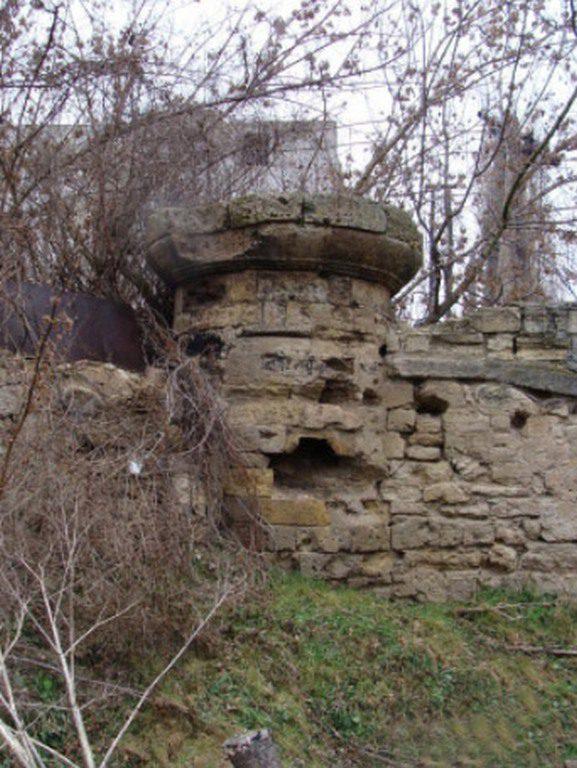 Остатки стены Адмиралтейства