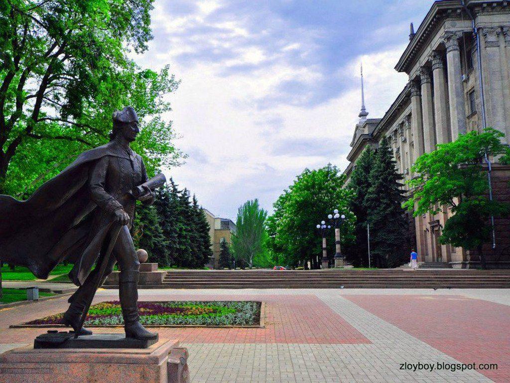 Памятник Фалееву (1)
