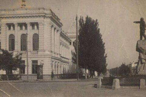 Памятник Ленину (3)