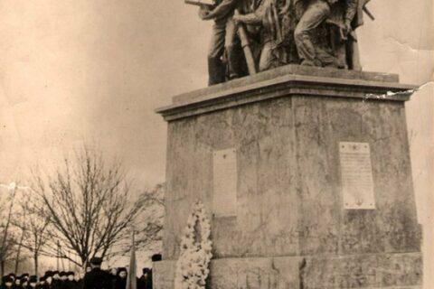 Памятник Ольшанцам (1)