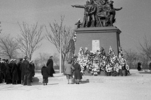 Памятник Ольшанцам (2)