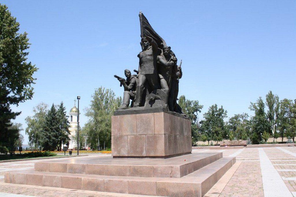 Памятник Ольшанцам