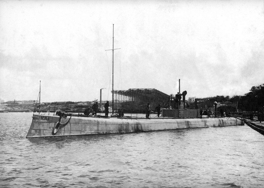 Подводная лодка «Краб» на заводе Руссуд