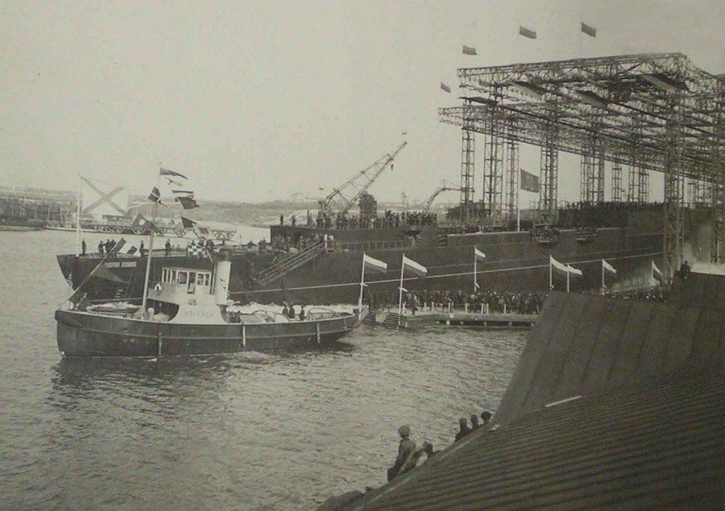 Спуск крейсера «Адмирал Нахимов»