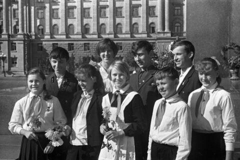 Участники областного слёта ученических производственных бригады юннатов (1969)