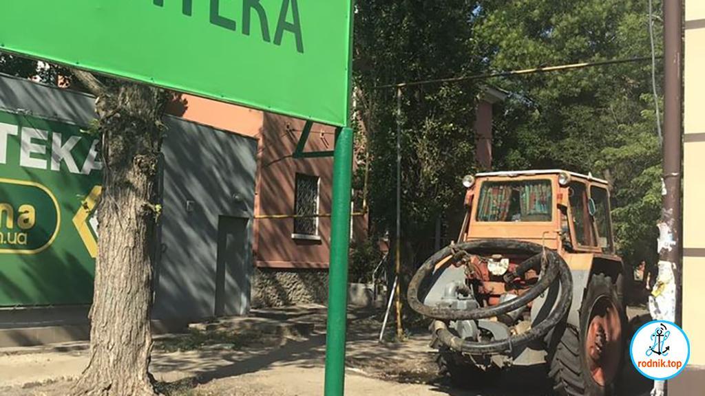 Николаевская аптека не даёт отремонтировать водосток