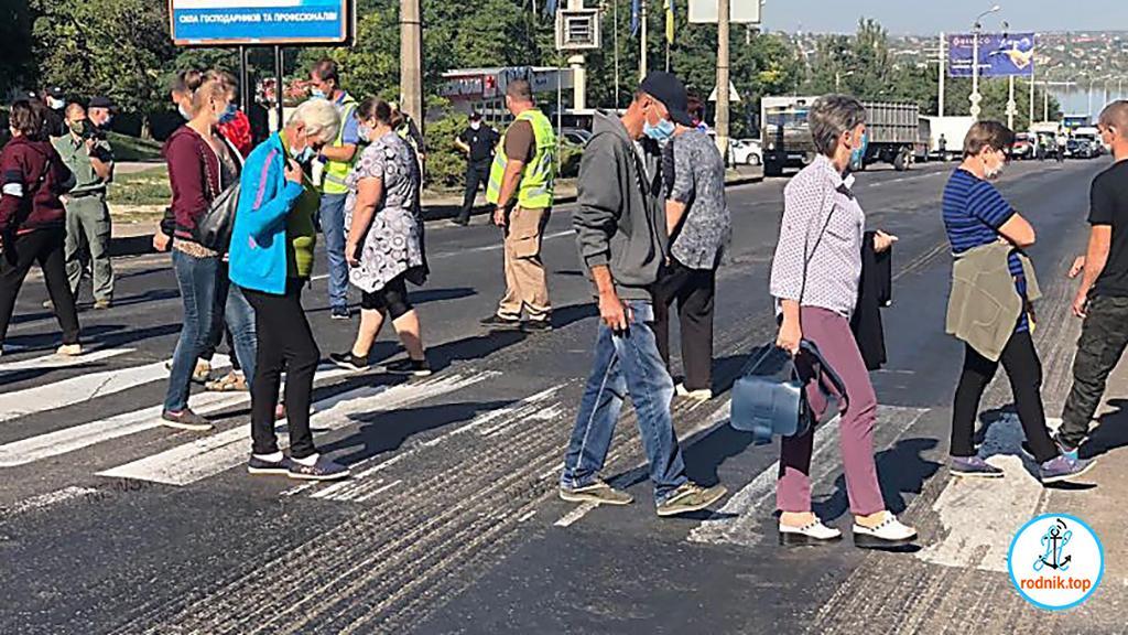 В Николаеве люди перекрывали Варваровский мост в поисках справедливости