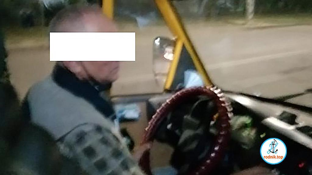 Николаевские маршрутчики разъезжают без масок