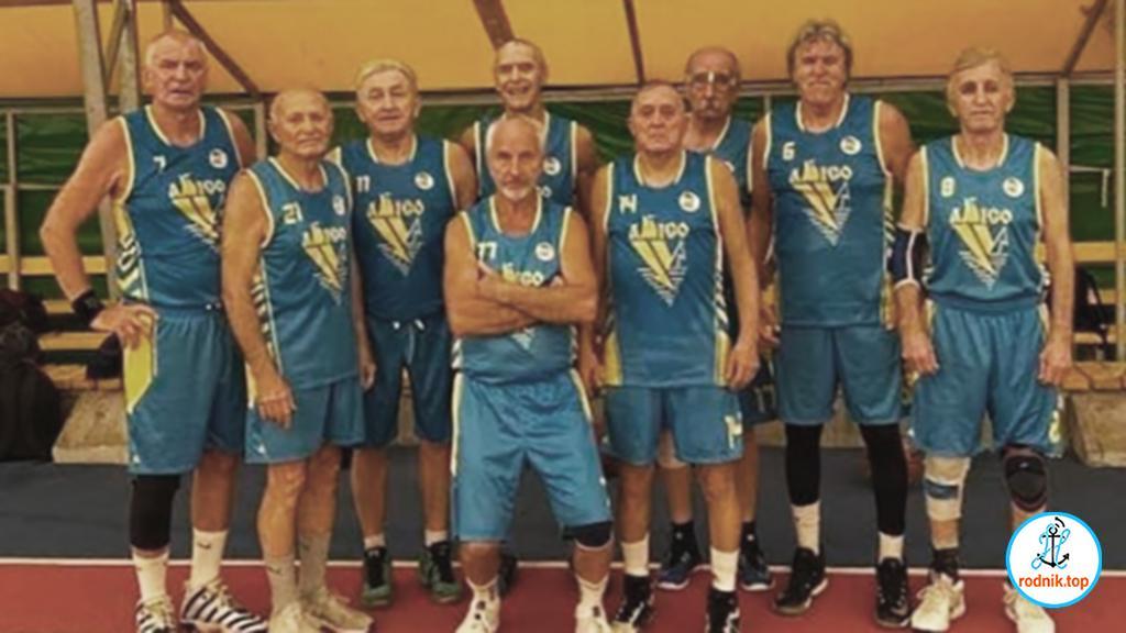 Николаевские баскетболисты выиграли чемпионат среди ветеранов