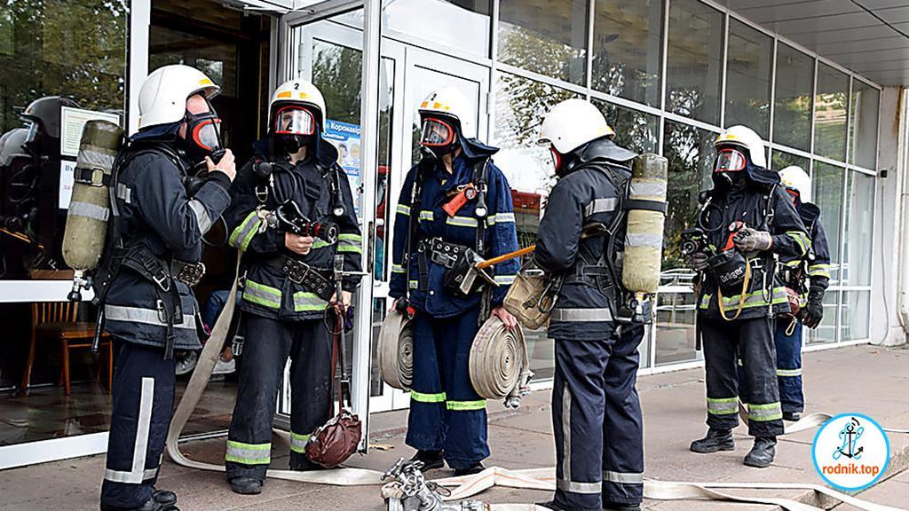 Николаевские спасатели проверили безопасность Дома творчества учащихся