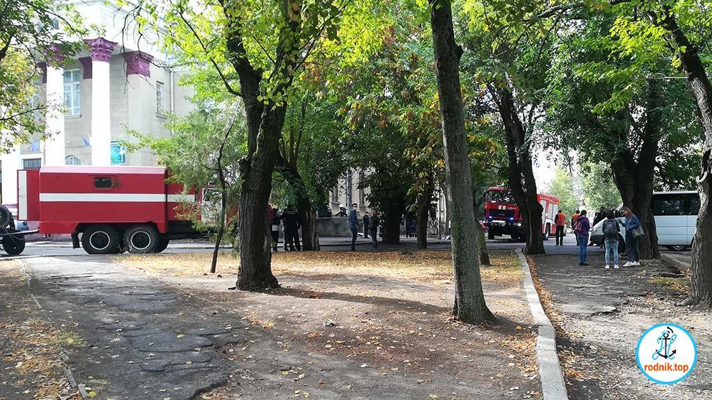 Николаевские пожарные тренировались в доме культуры