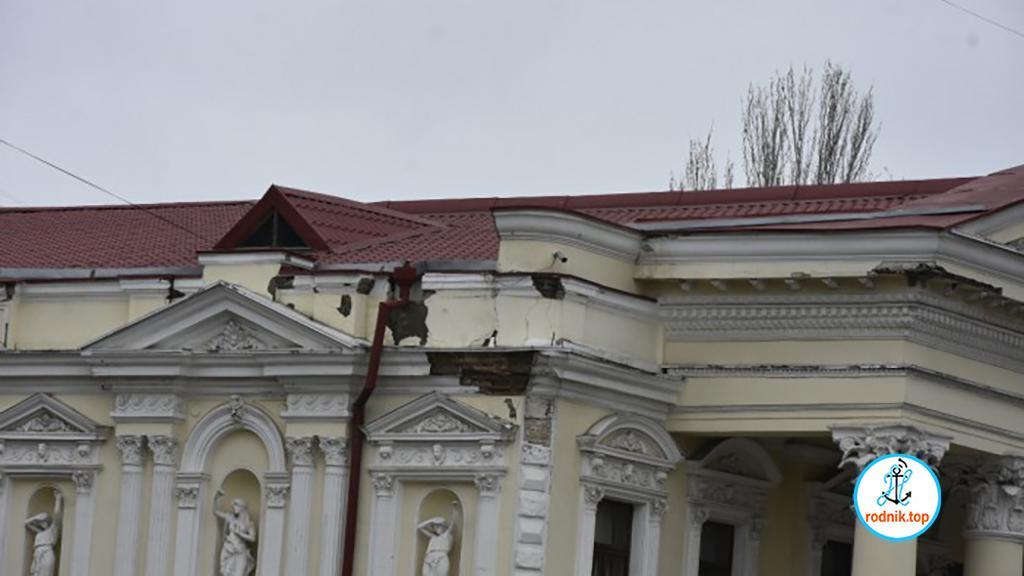 На реставрацию николаевского театра объявлен тендер