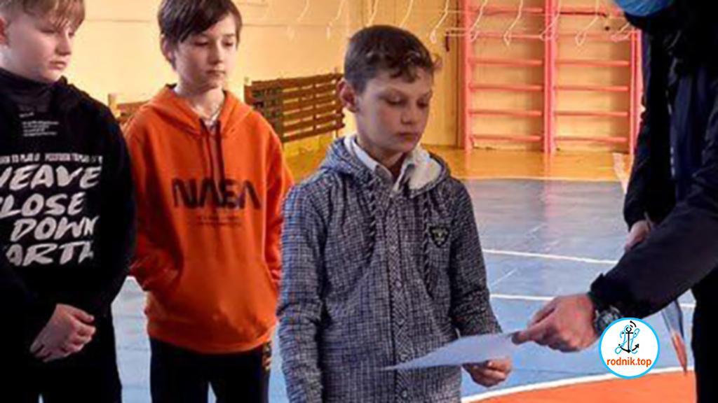В Первомайске школьник спас своего ребёнка