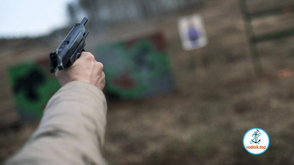 На николаевском рынке палящего из пистолета мужчину обезвредили торговцы
