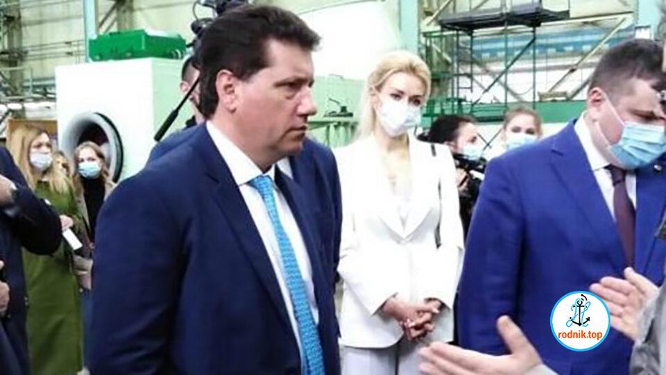 """Новый руководитель """"Зори"""" снял перед работниками """"шляпу"""""""
