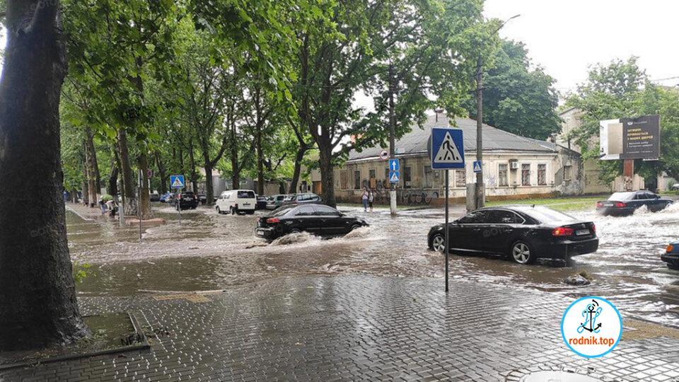 За сутки в Николаеве выпала почти месячная норма осадков